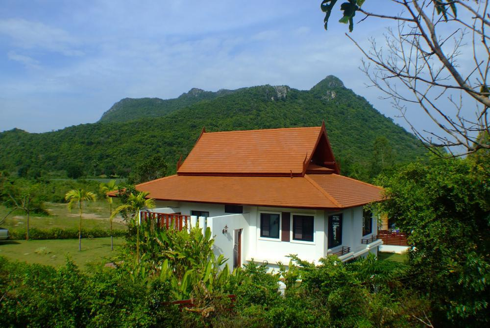 Mountain Breeze Villa